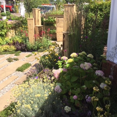 Silver Merit for the 'Living in Sync' Wildlife Friendly Front Garden at GWL 2017
